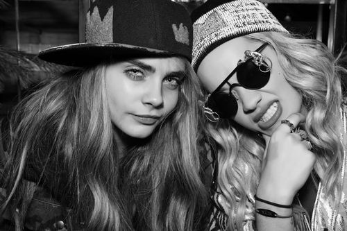 Cara Delevingne Talks About Rihanna, Kate Moss, More inW