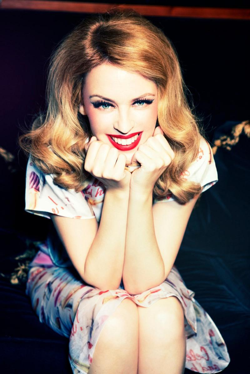 800x1199xkylie-minogue-pictures8.jpg.pagespeed.ic.nOWY4cO_wx