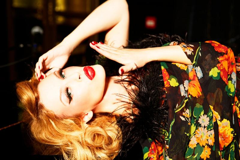 800x533xkylie-minogue-pictures9.jpg.pagespeed.ic.KfyEV3IACA
